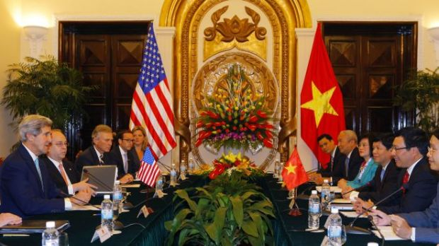 Kerry announces now US maritime security aid to Vietnam